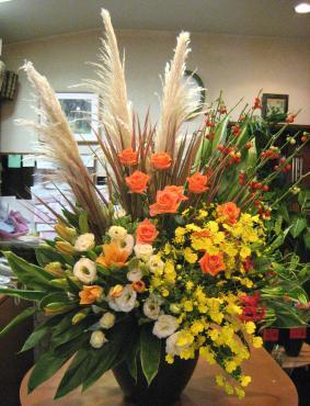パンパス、花ナス、バラ(ブードゥー)、トルコキキョウ黄、スカシユリ、オンシジューム、ドラセナ