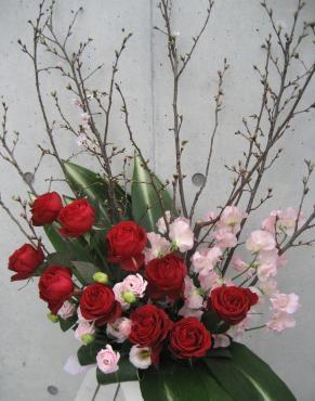 啓翁桜、バラ(レッドエレガンス)、スイートピー、トルコキキョウ